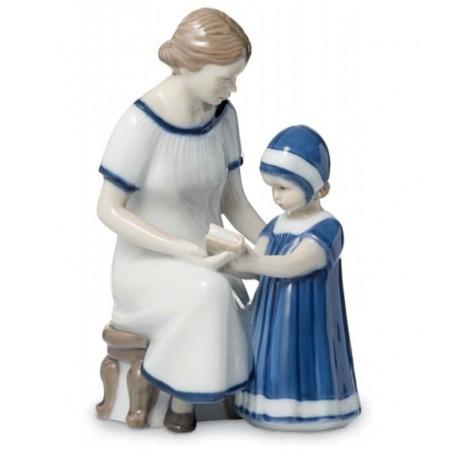Royal Copenhagen Statuina Elsa che Legge con la Mamma 1021668