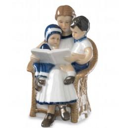 Royal Copenhagen Statuina Elsa con Mamma e Fratello 5021002
