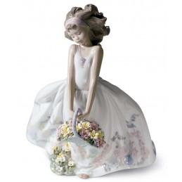 Lladrò Wild Flowers Girl Figurine 01006647