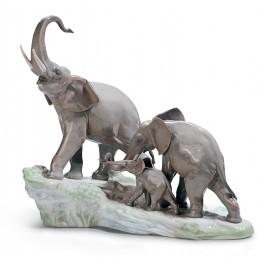 Lladrò Elephants Walking Figurine Ref. 01001150