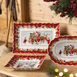 Villeroy & Boch Toy's Fantasy Rectangular Cake Plate Santa with Children