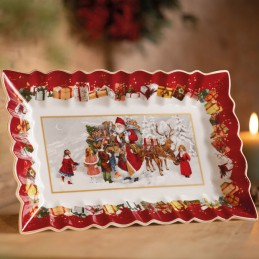 Villeroy & Boch Toy's Fantasy Cake plate Packing Santa with Children